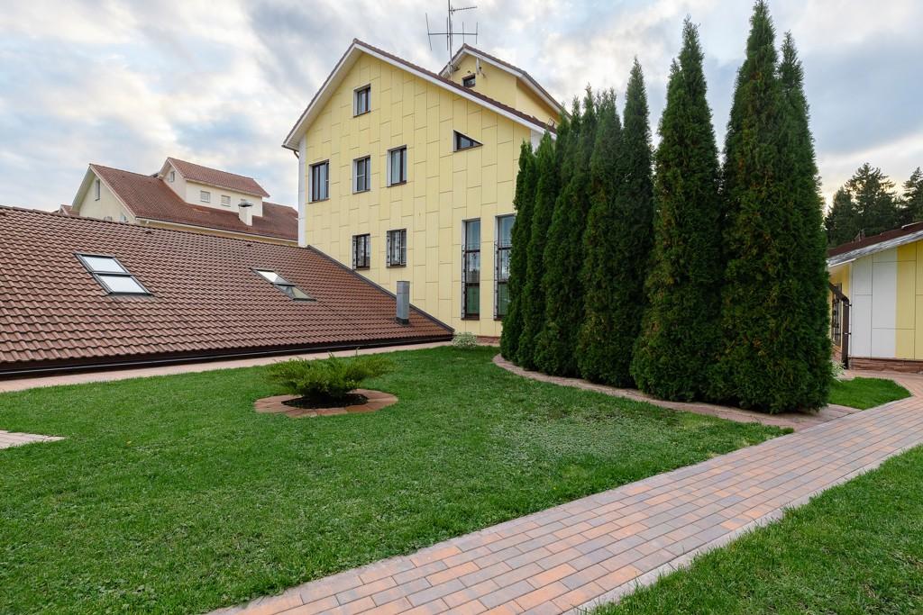 Территория частного дома
